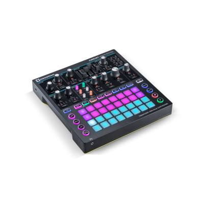 picture/novation/novsynth08_p04.jpg