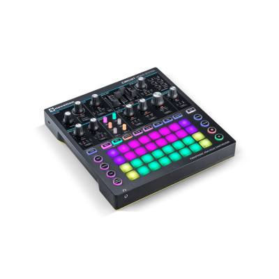 picture/novation/novsynth08_p05.jpg