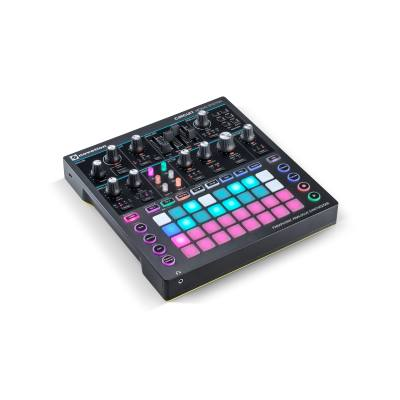 picture/novation/novsynth08_p06.jpg